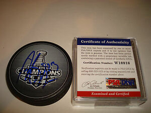 Dustin Brown Signed 2012 Stanley Cup Champions Hockey Puck LA Kings PSA/DNA a