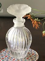 A Modernist Round Ribbed Crystal Perfume Bottle With Flower Glass Stopper,new