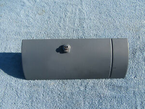 1955 1956 CHEVROLET BELAIR 210 GLOVE BOX DOOR USED