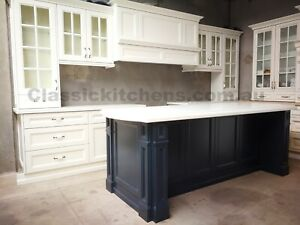 Hampton Shaker style Kitchen - Traditional Federation style complete kitchen