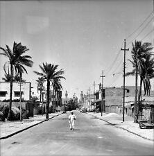 KERBELA c.1960 - Autos Homme Rue Mosquée Hussein - Négatif 6 x 6 - IRAK 78