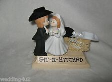 Western Wedding  ~Cowboy~  Hat Cake Topper Kissing Couple Git n' Hitched Sign