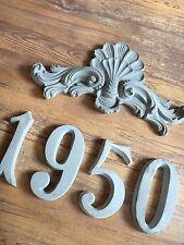 Stucco - Bekrönungsdekor 120-348B - mit 4 Zahlen -  aus Beton für Aussenfassade