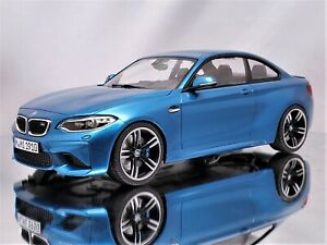 Minichamps BMW M2 (F87) Coupe 2016 Long Beach Blue Metallic Model Car 1:18