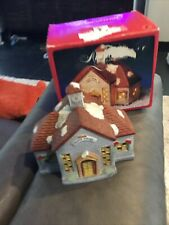 Americana Porcelain Lighted Courthouse Christmas Collectable Euc in box 8x6