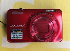 Nikon COOLPIX S6300 16,0 MP Digitalkamera + 2GB + Etui - Rot