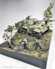 WW2 Knock Down Panther + Crew - Diorama 1:35 - built and painted