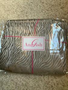 $850 NWT Ann Gish Tigress Taupe 100% SILK QUEEN Gathered Bedskirt Animal Print