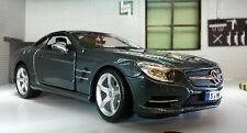 Modellini statici di auto, furgoni e camion Burago per Mercedes Scala 1:24