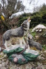 MO0500  FIGURINE STATUETTE FAMILLE  LOUP HURLANT  AU VENT  ANIMAL SAUVAGE