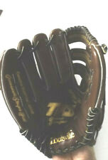 New listing Louisville Slugger TPS 13.5 Left Hand Throw Fielders Glove 80-3035-8 Barely Used