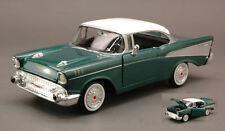 Chevy Bel Air 1957 Metallic Green / White Roof 1:24 Model MOTORMAX
