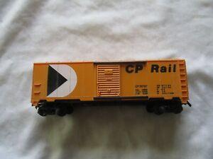Ho Gauge CP Rail Sliding Door Box Car CP56767