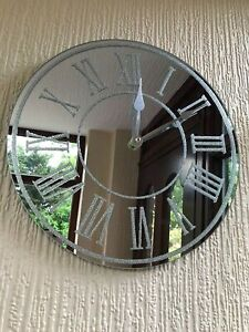 New Gorgeous Round Silver Sparkle Glitter Mirrored Wall Clock Roman Number-35cm