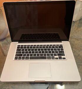 Apple MacBook Pro 15 inch Laptop 2009