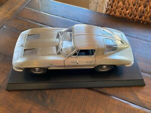 Franklin Mint Limited Edition Fine Pewter 1963 Corvette Sting Ray