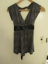New Look V Neck Stretchy Grey & Black Leopard Print Top in Size 10