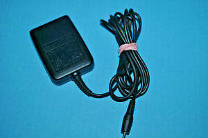 Sanyo SCP-10ADT Cellphone AC Adapter Charger Output DC 5.2V 800mA Power 841