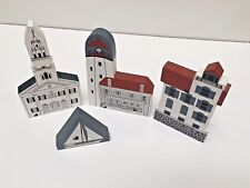 THE CAT'S MEOW Lot of 4 Wood Items (3 Buildings & Boat) Signed 1992, Used no Box