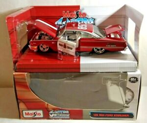 MAISTO 1:26 SCALE CUSTOM SHOP - 1960 FORD STARLINER - FIRE CHIEF - 31344 - BOXED