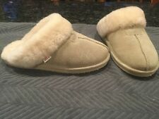 Womens Size 9 Tamarac Leather Slippers Sheepskin Lined Slippers