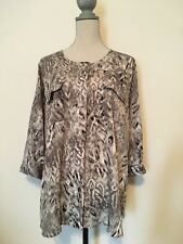 Beverly Drive Womens Blouse Size 16-18W Top Gray White Hidden Button Front Loose