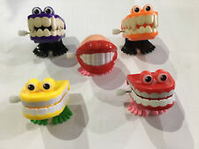 FUNNY TEETH - 3013 CLOCKWORK WIND UP TOOTH CHATTERING JOKE GAG NOVELTY FUN TOY