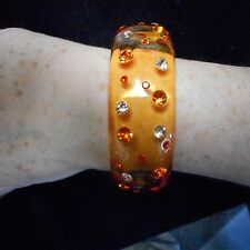 FANTASTIC OLD PLASTIC LUCITE BANGLE BRACELET ORANGE COLOR WITH CRYSTAL