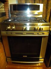 ELECTROLUX  5 BURNER GAS RANGE Model EW30DF65GSD - NEW STORE DISPLAY - REDUCED