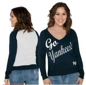 New  York Yankees Womens size medium Sweater NWT By Touch By Alyssa Milano