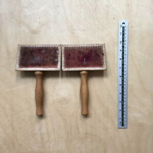2 x wooden mini hand carders Good condition