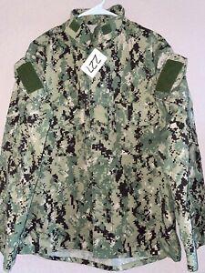 USN AOR2 Woodland Digital NWU Type III Ripstop Shirt Medium Regular Used 9_227