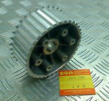 SUZUKI  T500 1968-1974, NEW ORIGINAL HUB CLUTCH SLEEVE, 21411-15000