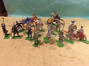 Britains deetail Medieval knights large group, great condition, made in England