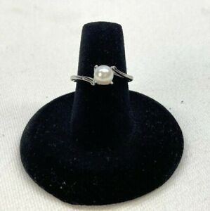 14KT White Gold Womens Pearl Ring Size 6.5