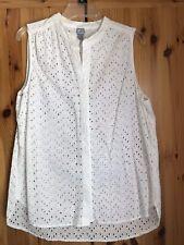 Women's Sleeveless Top Size XL White Eyelet Button front JCP Pretty!