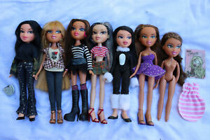 ⭐️ Bundle of 7 Bratz dolls and accessories - 2001 - lovely lot ⭐️
