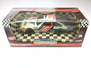ERTL American Muscle 1993 Valvoline Thunderbird #6 Mark Martin 1/18 Diecast 7457
