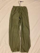 B39 Cabela's Medium Nylon Green Fishing Outdoors Pants