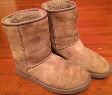 Authentic UGG Australia Classic Short Boot Women Size 6 Gray 5825