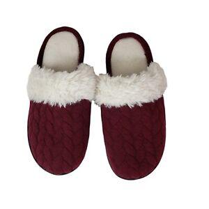 ISOTONER Women's PLUSH Faux Fur Slip on Slippers House Shoes SZ 9.5-10 Burgundy