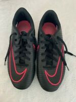 NIKE Mercurial Soccer Cleats Soccer shoes youth  girls  Black / Pink SIZE 3.5y