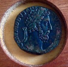 COMMODUS - AN ATTRACTIVE SESTERTIUS !