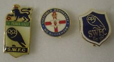 SHEFFIELD WEDNESDAY 3 x Football Pin Badges - NO SURRENDER