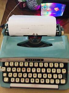 Vintage Brother Webster Portable Manual Typewriter XL-748 works!!!