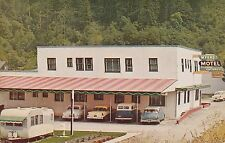Klamath California The Myers Motel vintage travel trailer and cars 10824