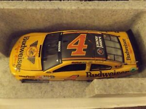 Kevin Harvick #4 Budweiser Gold 2015 Chevrolet SS Elite 1/24 Diecast car 125/150