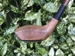 HICKORY SHAFTED BULGE FACE BRASSIE IN NICE PLAYABLE CONDITION