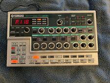 Yamaha DX200 Loopfactory - FM synthesizer groovebox