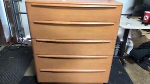 Heywood Wakefield 5-Drawer Dresser. Mid Century Modern.